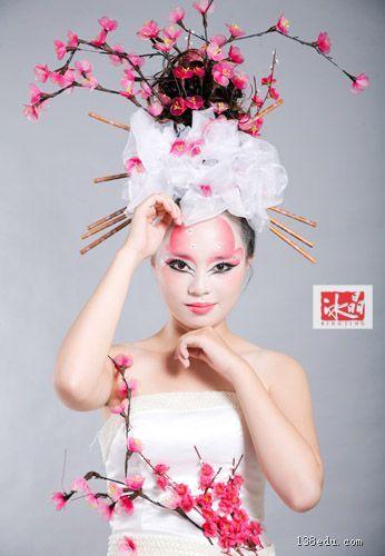 对于彩妆种类,包括生活妆,新娘妆,平面妆,舞台妆,影视妆及创意妆都很图片