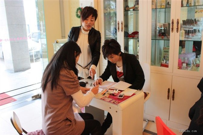 最新美甲纹绣技术、图片、视频-中国美容美发v纹绣教育网视频音频减图片