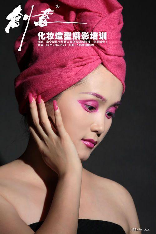 南宁创意美容美发化妆造型摄影培训学校的设计作品 南宁美