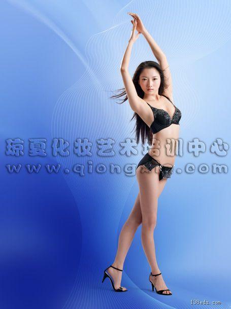 作品名称:海丝模特大赛 br>发布作者:福建泉州琼夏专业化妆培训学校