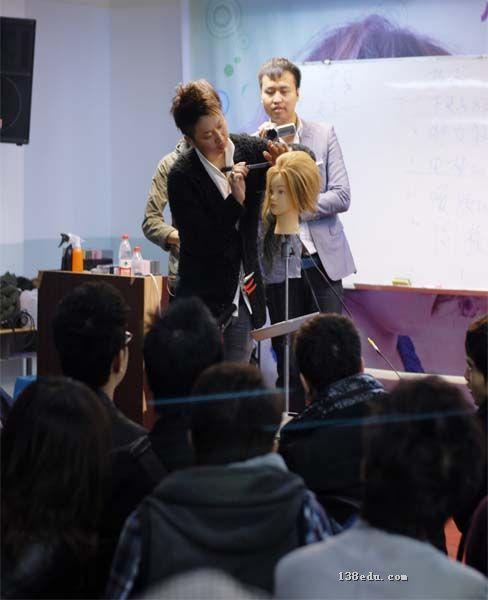 贵阳富康美发彩妆专业培训学校校园环境展示