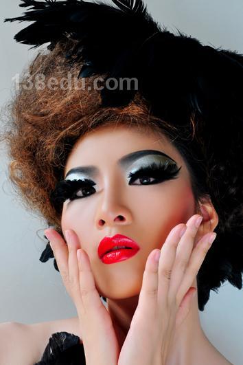 作品名称:创意新娘妆造型 br>发布作者:桂林第六感