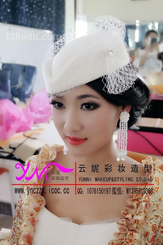 作品名称:欧式宫廷妆 br>发布作者:广州云妮彩妆造型培训中心图片